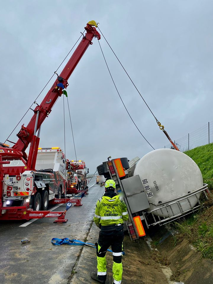 Anjou Towing Service Depannage Poids Lourds Angers Img 10