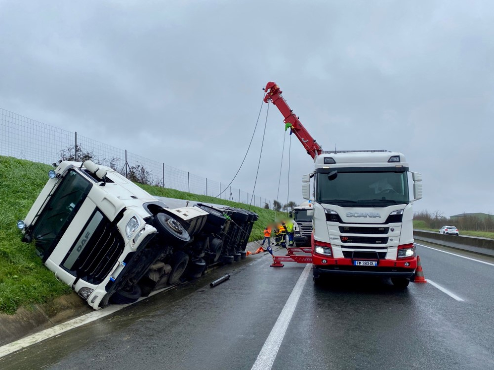 Anjou Towing Service Depannage Poids Lourds Angers Img 11