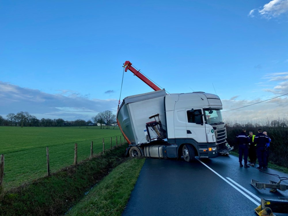 Anjou Towing Service Depannage Poids Lourds Angers Img 2