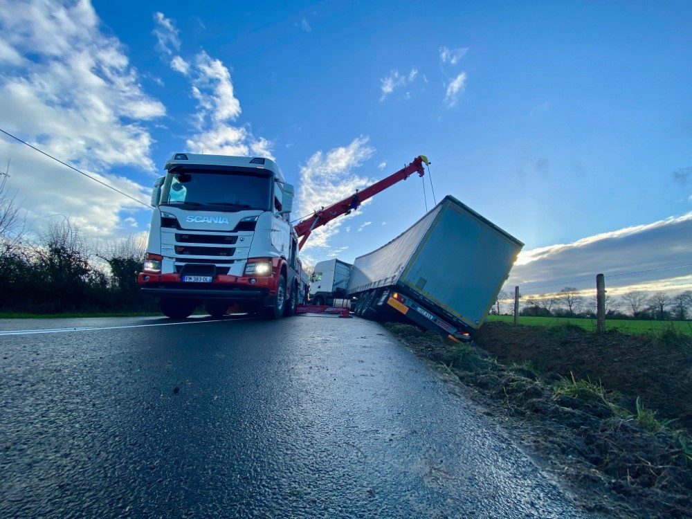 Anjou Towing Service Depannage Poids Lourds Angers Img 3