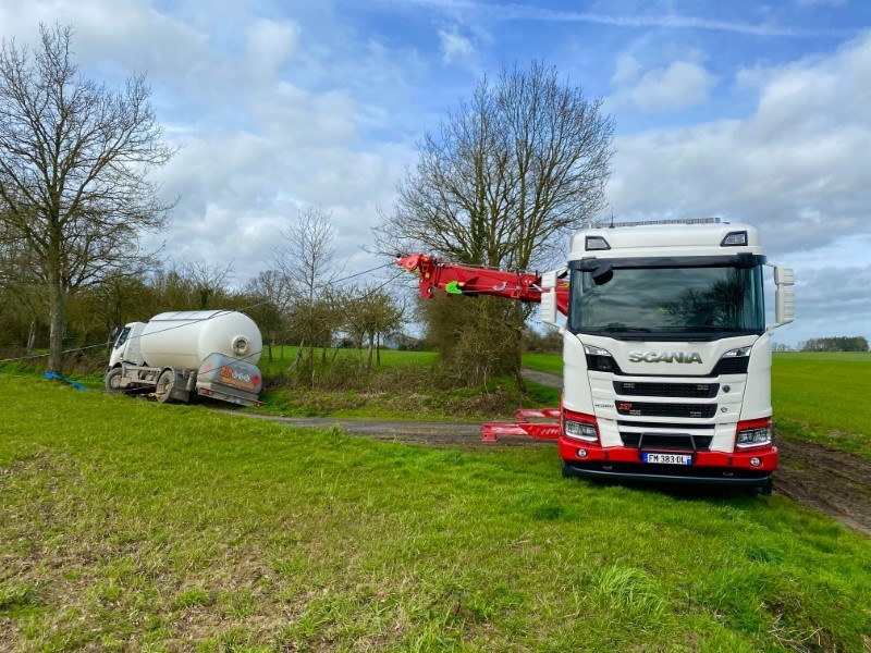 Anjou Towing Service Depannage Poids Lourds Angers Image (2) 98