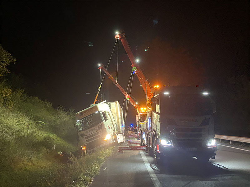Anjou Towing Service Depannage Poids Lourds Angers IMG (1) 149