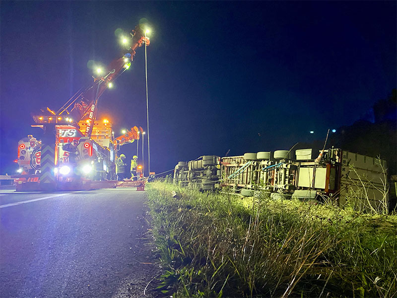 Anjou Towing Service Depannage Poids Lourds Angers IMG (2) 150