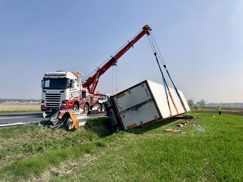 Anjou Towing Service Depannage Poids Lourds Angers IMG (20) 135