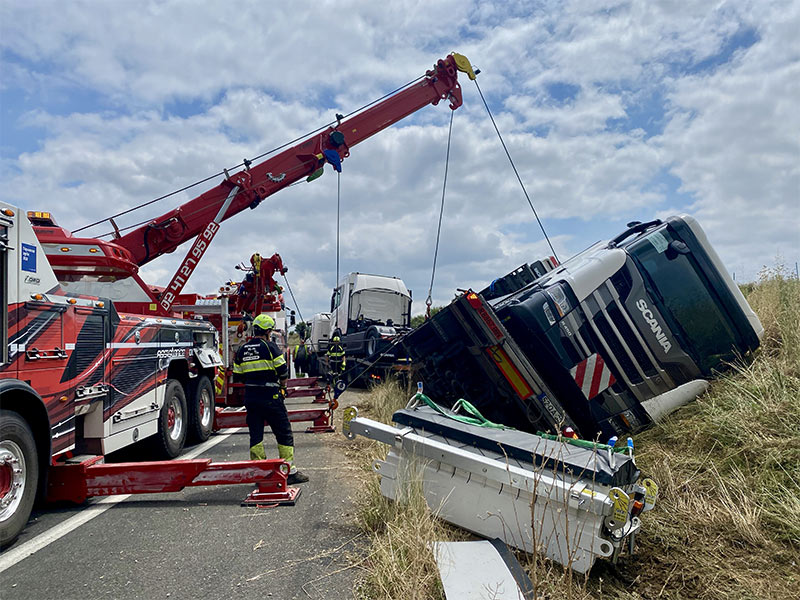Anjou Towing Service Depannage Poids Lourds Angers IMG (26) 141