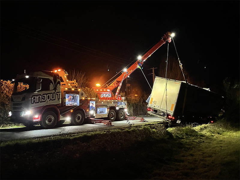 Anjou Towing Service Depannage Poids Lourds Angers IMG (7) 155